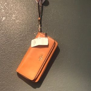 Coach light saddle double zip accordion leather